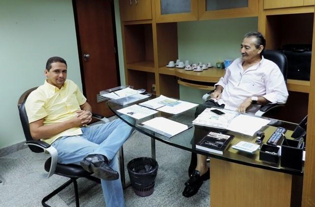 Deputado José Adécio e o prefeito de Rio do Fogo Laerte Paiva