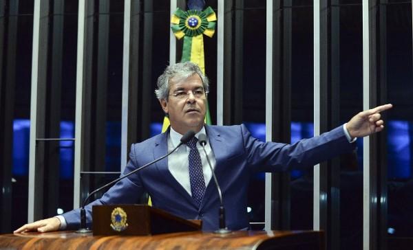 Jorge Viana(PT) passa a ser o presidente do Senado com afastamento de Renan
