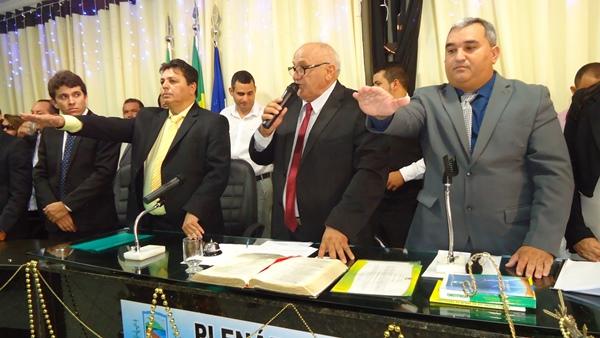 Prefeito Maurício e vice-prefeito Holderlin fazem juramento