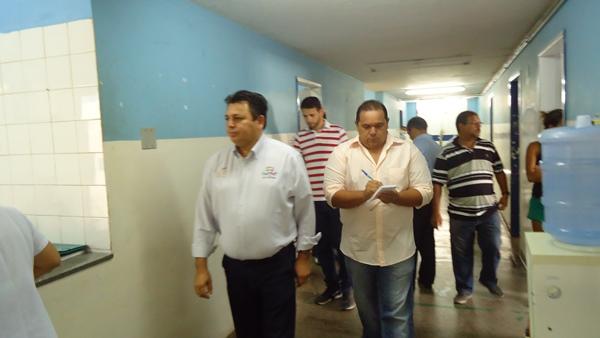 Prefeito Maurício e Secretário de Saúde Manoel visitam Hospital Regional