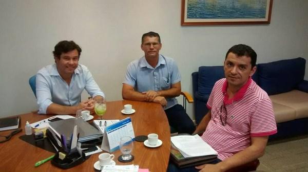 Presidente da CAERN, Marcelo com o prefeito Renato de Doquinha e o tesoureiro Eduardo