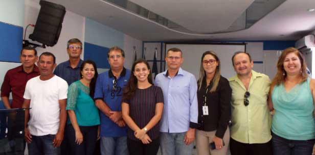 Na equipe da SEMARH, Rubens, Clara Camara, Paulo Carreras, Luênia Tavares, Ariel Leão e Erica, com os prefeitos de Touros e São Miguel do Gostoso.