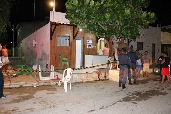 Homem morto a tiros na calçada de casa em MAcau