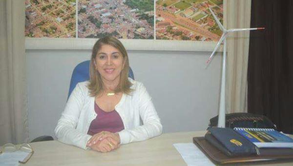 Prefeita Rita de Luzier resgatando a autoestima do servidor municipal e dos municipes