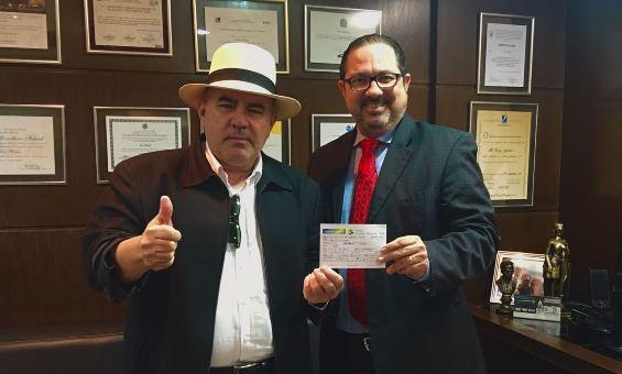 Douglas Azevedo filia-se ao PEN