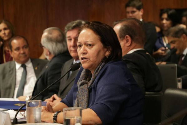 Resultado de imagem para Fátima cobra de ministro retomada das obras da Reta Tabajara e investimentos no Porto do RN