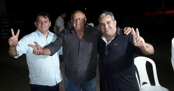 Resultado de imagem para foto do prefeito mauricio caetano vice prefeito Holderlin Silva e o vereador Luiz de Berre