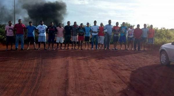Resultado de imagem para Pedra Grande: Moradores de Enxú-queimado protesta por melhorias na estrada e falta de asfalto