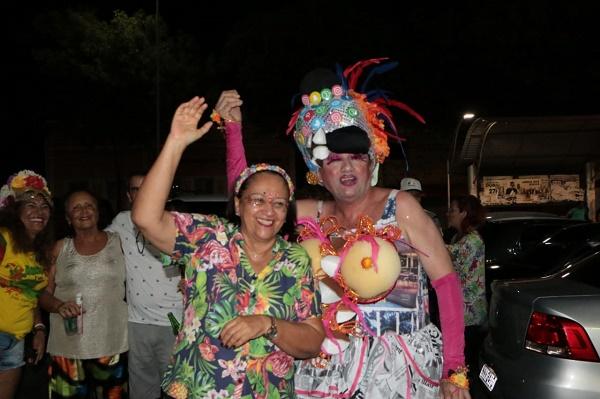 Resultado de imagem para Fátima Bezerra assiste ao desfile das kengas e destaca importância do evento