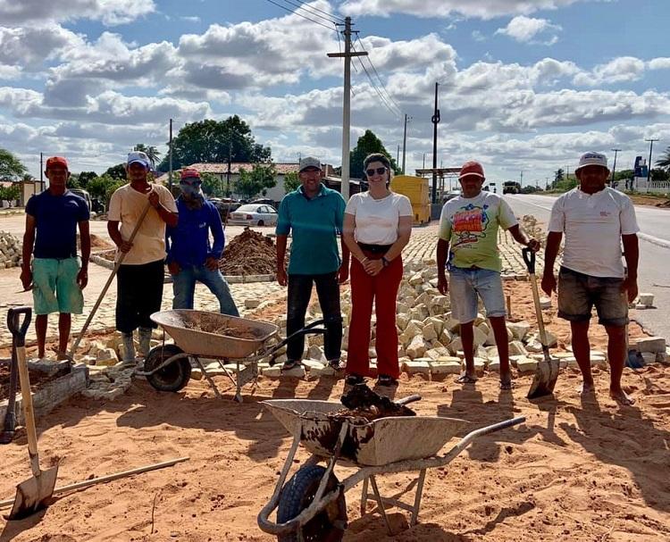 Resultado de imagem para João Câmara: Vice-prefeita visita obras de pavimentação da entrada da cidade