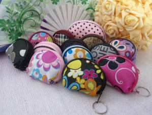 Monederos para bodas: variedad en diseños y colores