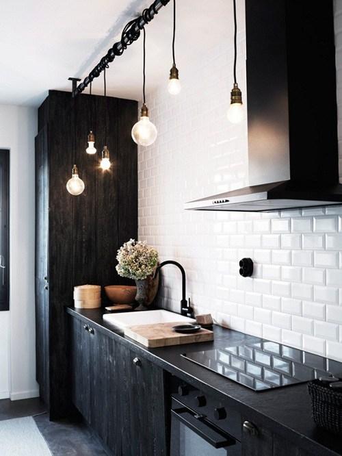 alb negru mobilier bucatarie