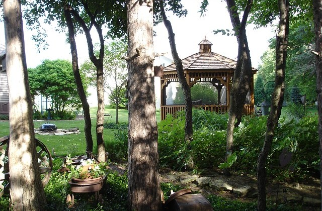 5 pavilioane pentru grădină care să-ți țină umbră