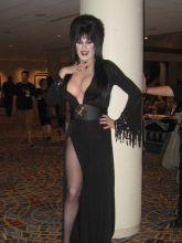 Elvira Cosplay 07