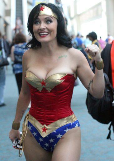 Cosplay Wonder Woman 13