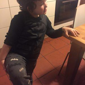 """Come insegnare ai piccoli a vestirsi da soli? Nanùzz e """"non riescio"""""""
