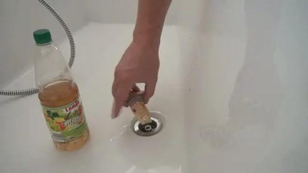 solutie pentru desfundat tevi desfunda chiuveta cu bicarbonat si otet