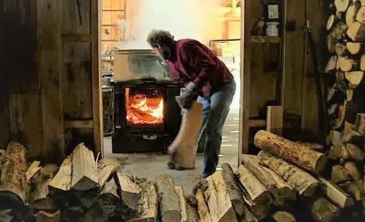 cat consuma o centrala pe lemne pe iarna