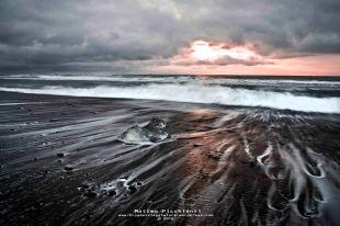 Black sand beach Jokoulsaron