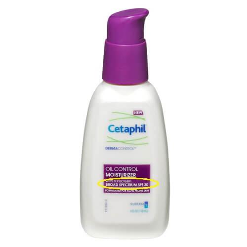 Kiềm dầu tốt, không dính bết là tiêu chí đầu tiên bạn cần quan tâm khi lựa kcn cho da nhờn mụn