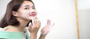 Tại sao phải dùng sữa rửa mặt khi skincare
