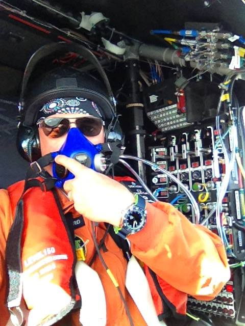 Piccard pilotând Solar Impulse 2 deasupra Chinei