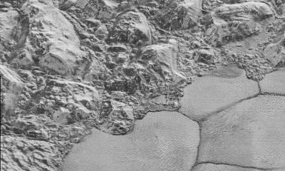 New Horizons- detalii de pe Pluto