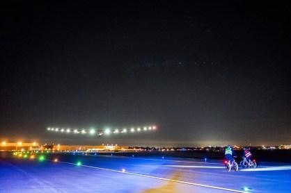 14631690942016_05_12_Solar_Impulse_2_RTW_11th_Leg_Phoenix_to_Tulsa_Landing_Solar_Impulse_2_9824