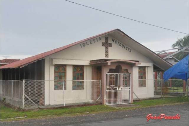 Iglesia Evangelista en Bocas del Toro. En Blog de Viajes, Bocas del Toro con niños