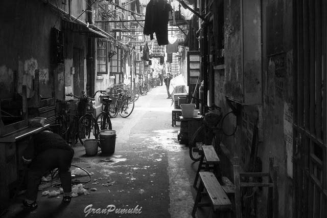 Calle de Shangai. Viaje en Blanco y Negro