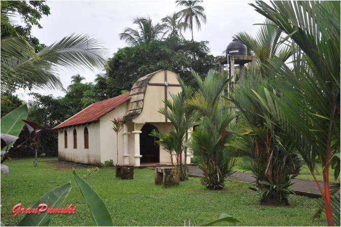 Iglesia en el pueblo de Tortuguero
