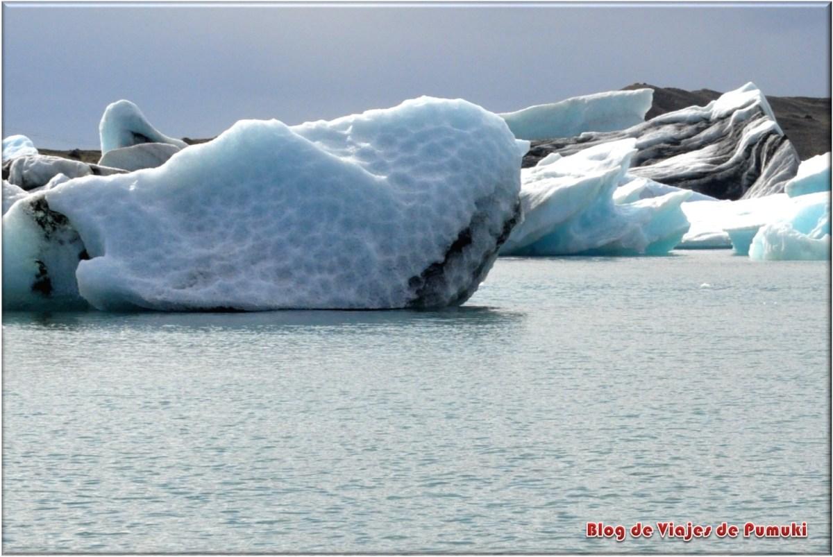 Icebergs en el Lago glaciar de Jokusarlon