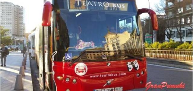 Autobus adaptado para la representación de obras de teatro a bordo mientras circula por la ciudad de Madrid.