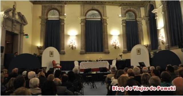 Es posible asistir a una obra de teatro en Venecia en uno de sus pequeños palacios.