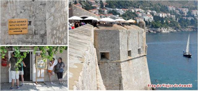 El recorrido a pié por de la muralla de Dubrovnik permite dar la vuelta completa a la ciudad