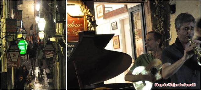 En tu viaje a Dubrovnik reserva tiempo para un paseo nocturno y un rato en la terraza del Troubadour Jazz Cafe mientras escuchas un concierto de Jazz al aire libre