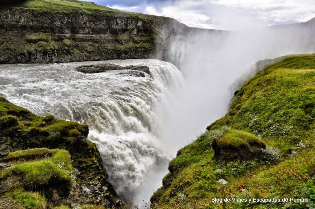 caída en grieta de la cascada