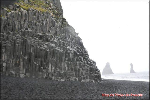 Columnas de basalto en Reynisdrangar, Islandia