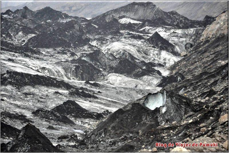 Morrena sobre el glaciar Sólheimajökull, Islandia