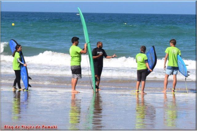 Aprendiendo Surf en Cádiz