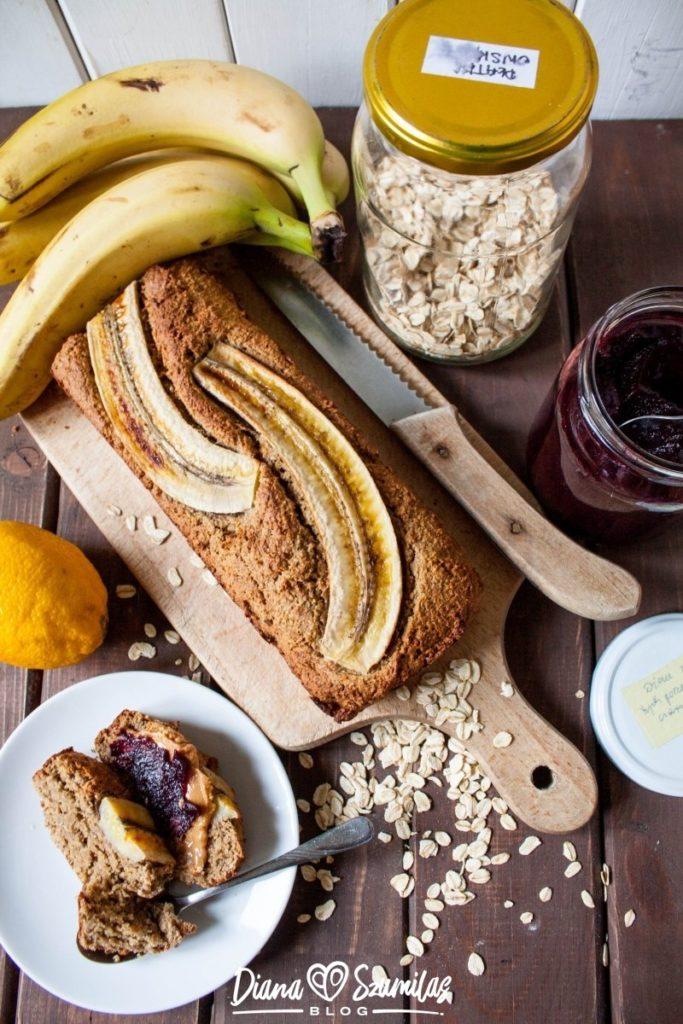 owsiany chlebek bananowy