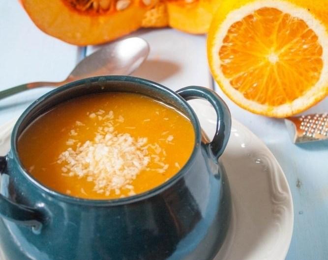 Ostra zupa dyniowo-pomarańczowa