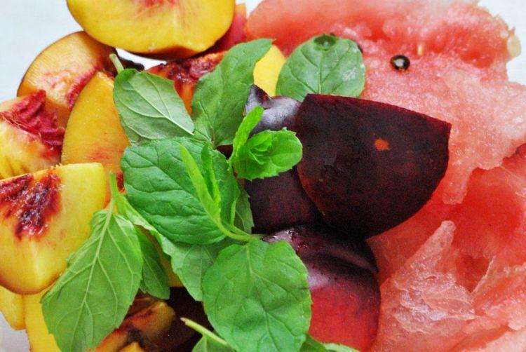 Koktajl arbuzowo-nektarynkowy z miętą