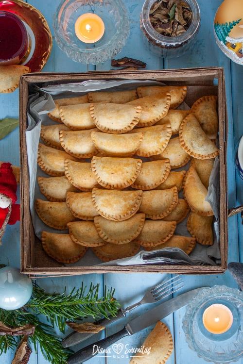 Pieczone pierożki świąteczne