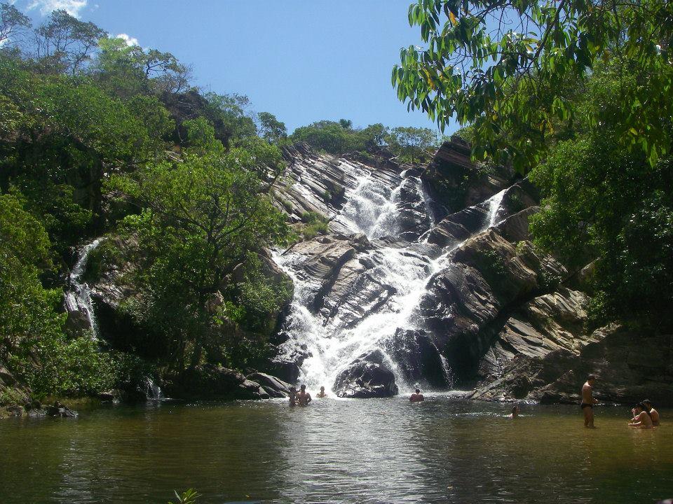 Resultado de imagem para cachoeira lazaro pirenopolis
