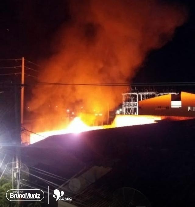 Incêndio é registrado em galpão no centro de Toritama