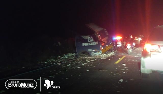Criminosos explodem carro-forte na BR-423, entre Lajedo e Cachoeirinha