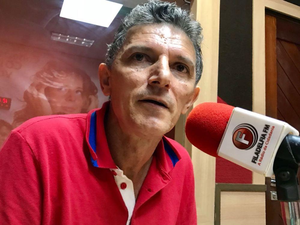 """Em entrevista, Dimas Dantas diz que Alessandra Vieira é """"laranja"""" do prefeito Edson"""