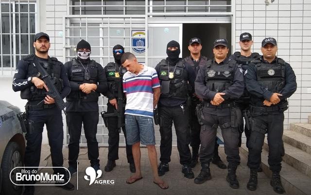 Foragido é preso por tráfico de drogas, corrupção de menor, adulteração de veículo e posse de munições