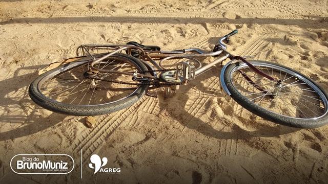 Carro colide em ciclista na PE-160, em Santa Cruz do Capibaribe